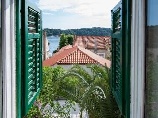 Seafront Apartment in old town center - Cavtat vacation rentals