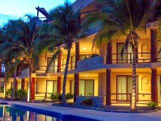 Mahahual pool level Condo #301 great location - Majahual vacation rentals