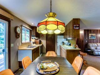Pet-friendly cottage with hot tub, deck & beach access - Cannon Beach vacation rentals