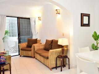 Mamitas Beach,Great Location Remodeled 1 bedroom C - Playa del Carmen vacation rentals