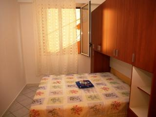 Appartamento Balestrate 2 a 30 persone - Balestrate vacation rentals