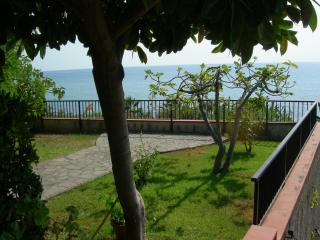 VILLA SUL MARE A DIAMANTE (CS) - CALABRIA - Diamante vacation rentals