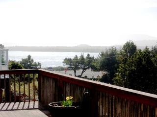 Grove's House - 3 BR, Sleeps 8, Ocean and Bay View - Rockaway Beach vacation rentals