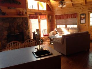 Log home we converted to bed & breakfast - Payson vacation rentals
