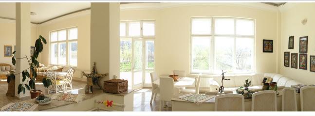 living room - Magestic front lake villa - Fagaras - rentals