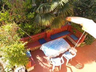 Charming Garden flat just 50m from beach - Banjole vacation rentals