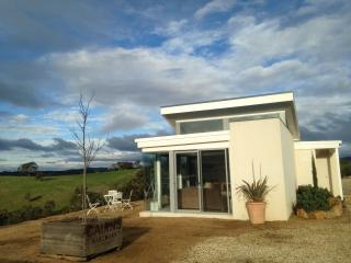 WILD DUCK RETREAT - luxury accommodation - Redesdale vacation rentals
