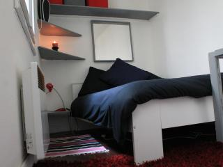 Awesome Apartment in the Heart of Paris - Paris vacation rentals