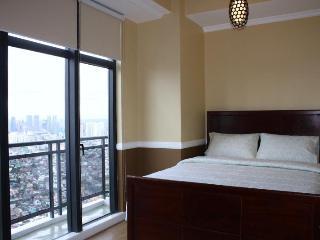 Elegantly Gorgeous Penthouse Unit - Makati vacation rentals