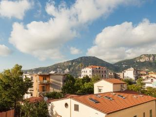 Centrally located cosy apartment near Sorrento - Sorrento vacation rentals