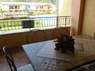 Grazioso Appartamento con veranda affaccio piscina - Basilicata vacation rentals