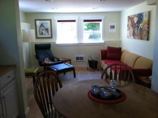 Urban Oasis: Cozy 1BD Apartment - Vashon vacation rentals