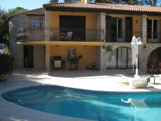French Riviera Holiday Rental, Pet-Friendly, with a Fireplace and Pool - Roquebrune-Cap-Martin vacation rentals
