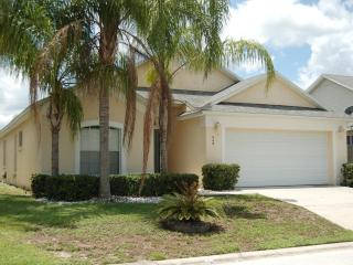 448 4 bed 2 bath home near Disney private pool - Davenport vacation rentals