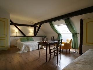 clos des pommes -chambre coquelicots- - Moselle vacation rentals