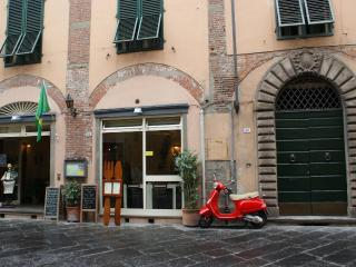 Nice House in the Center of Lucca - Lucca vacation rentals