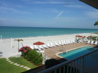 Spacious Gulf Front beach condo on Longboat Key - Longboat Key vacation rentals