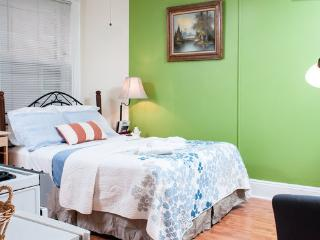 Beacon Studio/Next to State House - Quincy vacation rentals