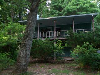 Helton Falls Lodge-The Guesthouse-near Vogel Park! - Blairsville vacation rentals
