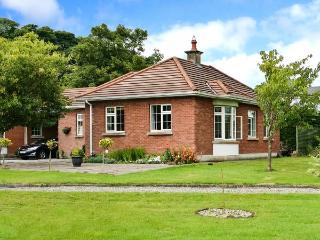 WALSH COTTAGE , family friendly, country holiday cottage, with a garden in Swinford, County Mayo, Ref 4670 - Ballina vacation rentals