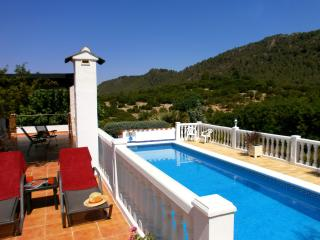 Para Dos - for two. Rural cottage, private pool - Valencian Country vacation rentals