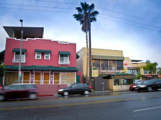 Exciting City Apt on HIp Melrose Ave walk to SITES - Los Angeles vacation rentals