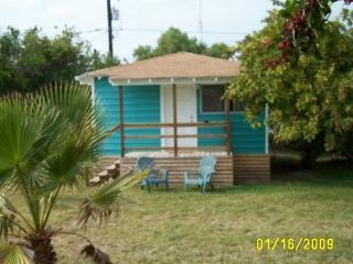 Sea & Sand Cottages 1 Bedroom Cottage Full Kitchen - Port Aransas vacation rentals
