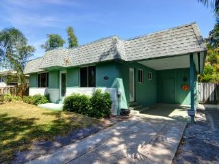 Gorgeous Pool Home Close to Everything! - Wilton Manors vacation rentals