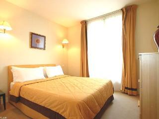 2 Room Parisian Apartment - Ile-de-France (Paris Region) vacation rentals