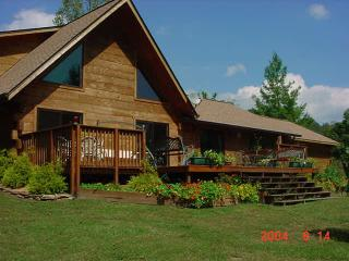 Log Chalet PetFriendly,Creek,Pond/Discount offered - Murphy vacation rentals