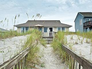 Turtle Watch. 1109 Ocean Blvd, Topsail Beach. SAVE UP TO $115!! - Topsail Beach vacation rentals