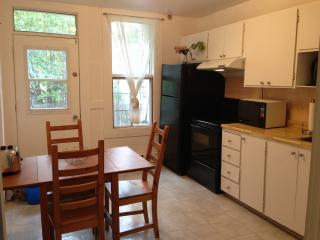 The Poppy - 2 Beds, 1 Bath - Montreal vacation rentals
