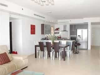 Stunning 3 BR home with pool in South Beach, Netanya - Netanya vacation rentals