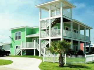 Fabulous 4 bedroom, 3.5 bath home in wonderful Royal Sands - Port Aransas vacation rentals