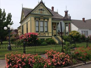 Waverly Cottage 1898 Historic Victorian - Medford vacation rentals