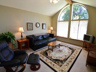 Balboa Bliss - Nice, Spacious, Quiet, 3 Bedroom Home in Park Setting - Eureka vacation rentals