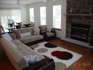 New Pocono House! A/C, Gazebo, Deck - Walk to Pool - Albrightsville vacation rentals