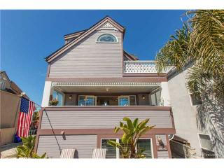 Luv Surf New Luxury Multilevel Vacation Home - Pacific Beach vacation rentals