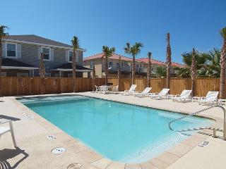Perfect place for a family wanting to stay together & be close to the Beach! - Corpus Christi vacation rentals