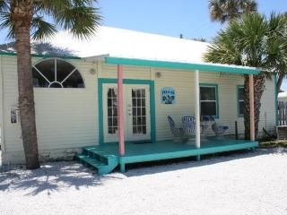Pelican Three Bedroom Waterfront Cottage - Jensen Beach vacation rentals