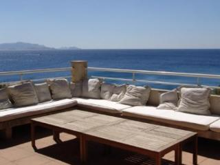 Gorgeous 5 Bedroom Luxury Villa in Ensues La Redonne, Provence - Ensues-la-Redonne vacation rentals