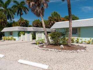 Palm Court Villas- 210 B Magnolia Ave, Anna Maria - Anna Maria vacation rentals