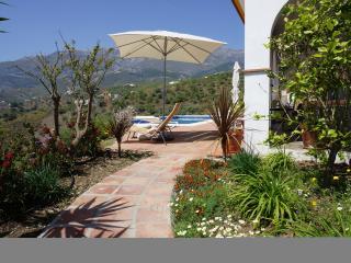 Casa Deogracias - Sedella vacation rentals