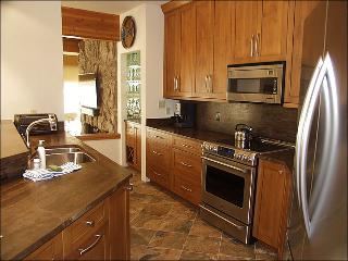 Aspen Core - Exclusive Roaring Fork Riverfront Town Home (7931) - Aspen vacation rentals