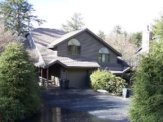 Highland Retreat a spacious town-home with Grandfather view, sleeps 10 - Boone vacation rentals
