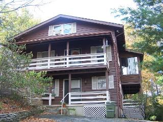Higher Ground easy paved access, minutes from Main Street Blowing Rock - Blowing Rock vacation rentals