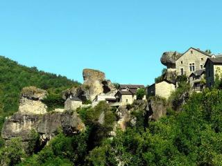 Cantobre Castel Egyptian Gite - Cantobre vacation rentals