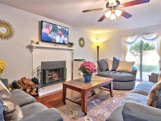 A WONDERFUL PLACE TO BE: SO AUS 3BR 3BA PRIV YARD - Austin vacation rentals