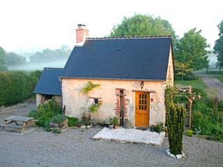 Normandy Holiday Cottage - Sainte-Mere-Eglise vacation rentals