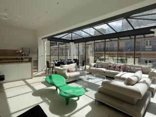 Amazing Three Bedroom Rome Penthouse - Rome vacation rentals
